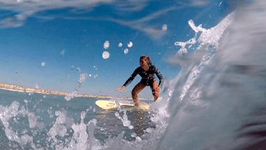 Campamento de surf en lengua de signos española