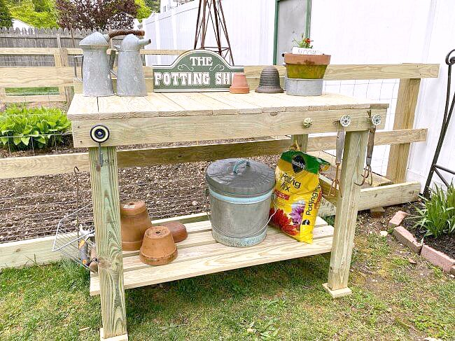 Outdoor garden potting table tutorial