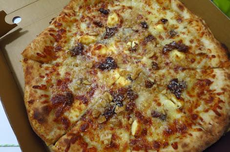 Pastaria Abate, quattro formaggi pizza