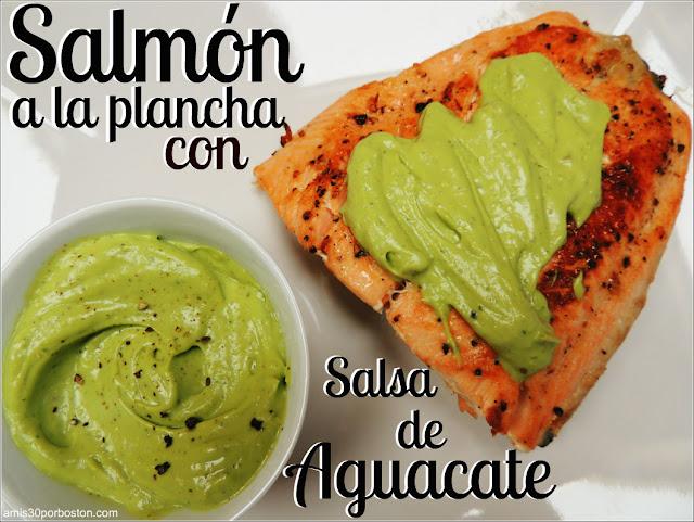 Salmón a la Plancha con Salsa de Aguacate