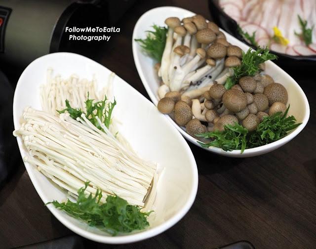 Enoki Mushroom & Shimeji Mushroom RM 10 Each