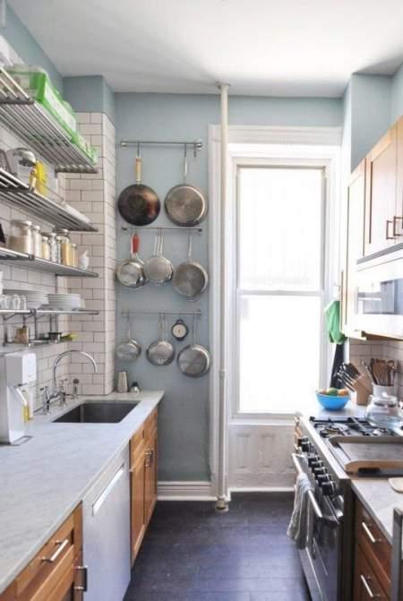 Rak gantung untuk dapur