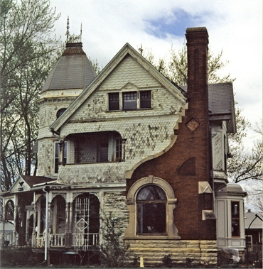 Exceptional Churches For Sale In Ct #1: 1+Pretty+(creepy)+house..jpg