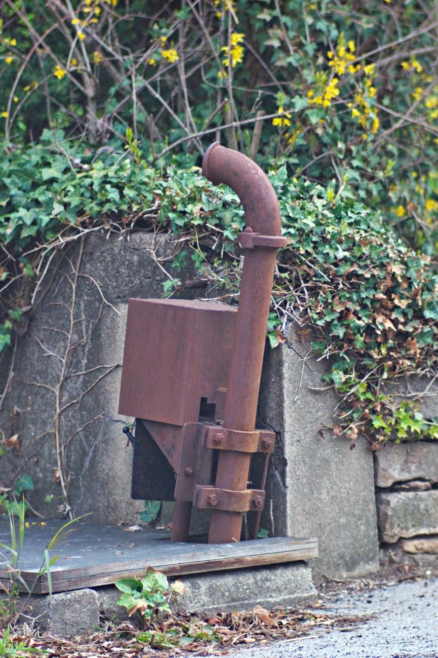 Rostiges #1 - Alte Güllepumpe