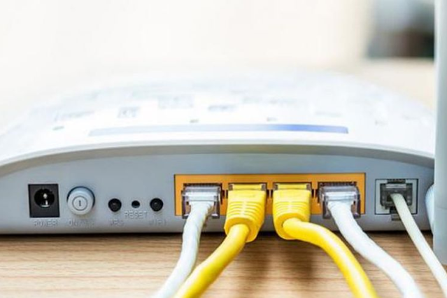 menggunakan kabel daripada wifi