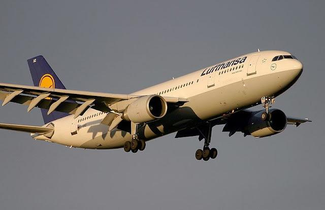 Gambar Foto Pesawat Airbus A300 04