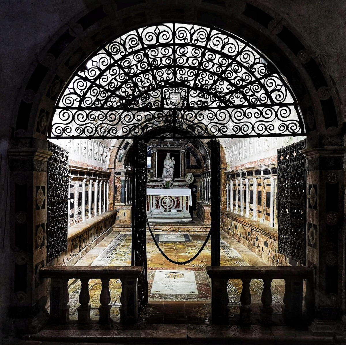Cosa vedere Gerace cattedrale cripta