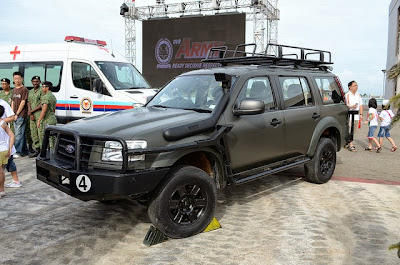 Gambar Modifikasi Ford Everest