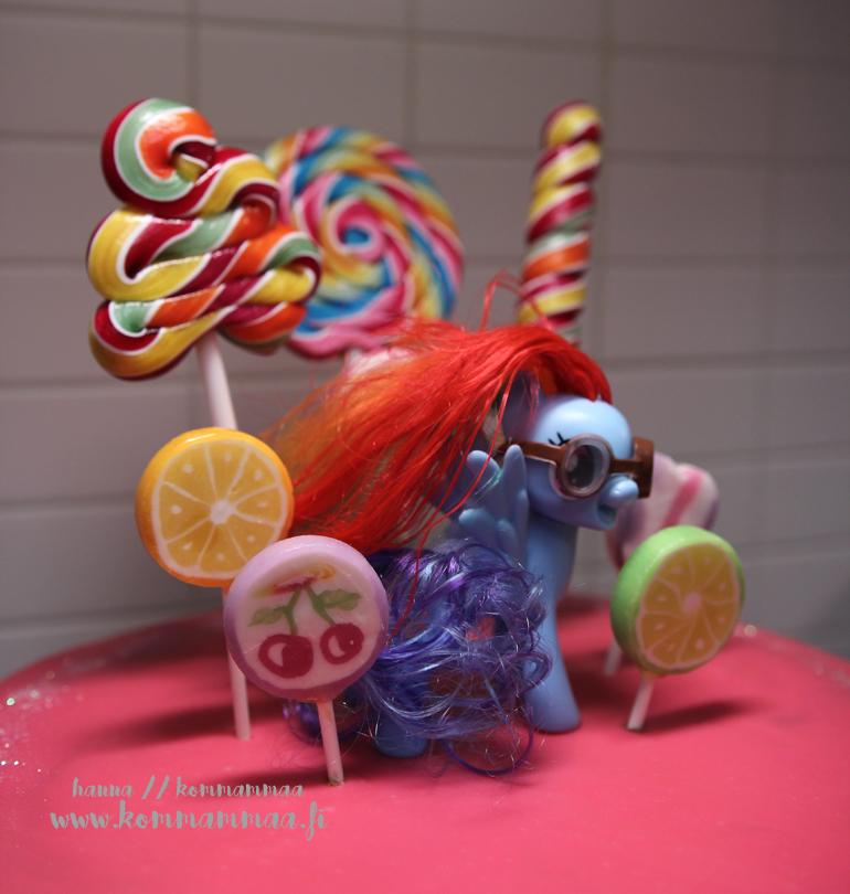 my little pony kakku tikkari suklaaganache vaaleanpunainen