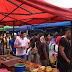 Raja Muda Selangor Kunjung Bazaar Ramadhan Bawa Mangkuk Tingkat,Ramai Tak Perasan