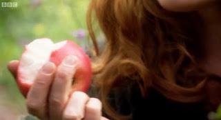 Alys eating an apple