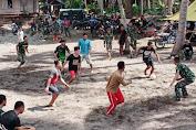 Bangun Komunikasi Dengan Warga, Satgas TMMD Ke-111 Ajak Pemuda Tola Main Sepak Bola