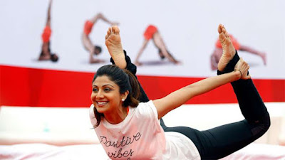 b-town-celebrities-celebrate-international-yoga-day