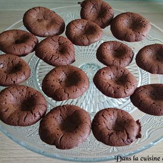 https://danslacuisinedhilary.blogspot.com/2014/08/moelleux-au-chocolat-et-beurre-de.html