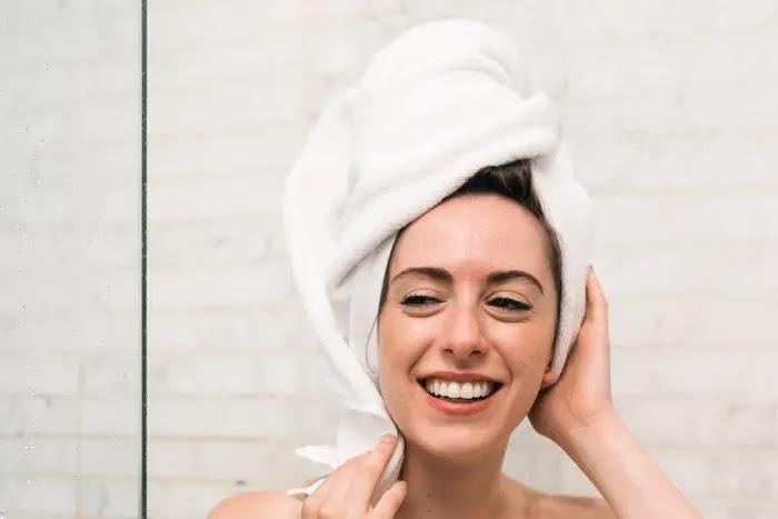 manfaat mandi pagi untuk kesehatan tubuh
