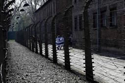 Polônia recua em lei que punia associação de país com Holocausto