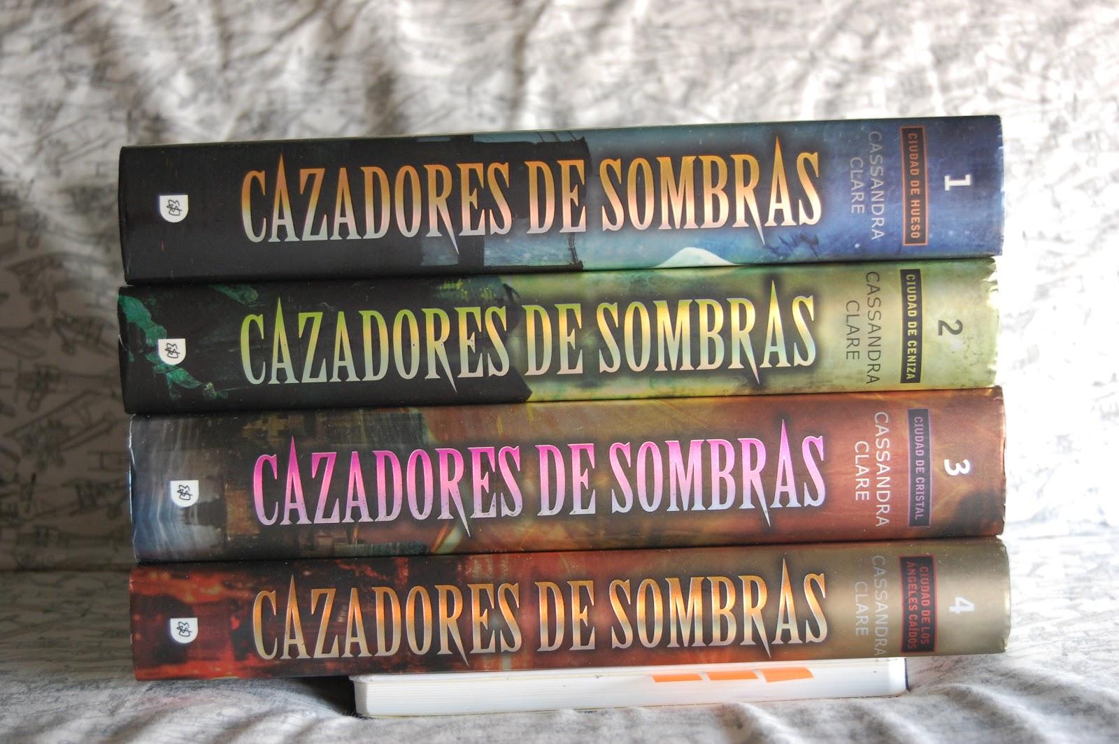 Janet Gaspar: Ciudad De Hueso. Cazadores De Sombras