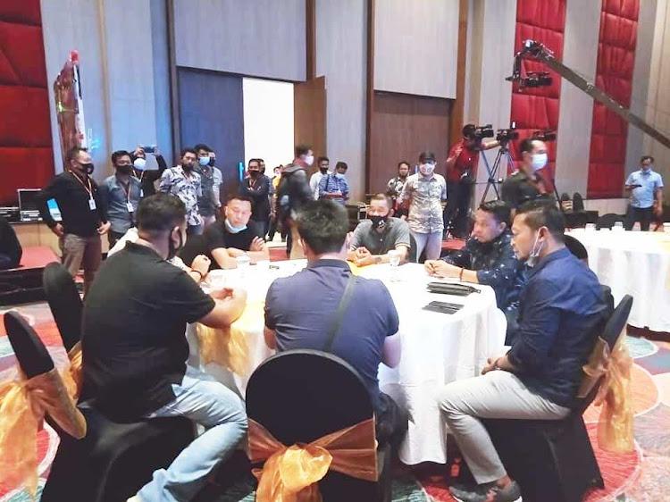 Debat Kandidat Cabup dan Cawabup Selayar Digelar di Hotel Gammara, Makassar