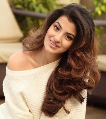 Sanjana Banerjee Face Book Images