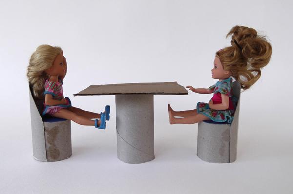 κατασκευές για κούκλες, έπιπλα για κούκλες, χάρτινα έπιπλα, έπιπλα από χαρτί, έπιπλα από χαρτόνι, παιχνίδια από χαρτόνι, έπιπλα για κουκλόσπιτο,