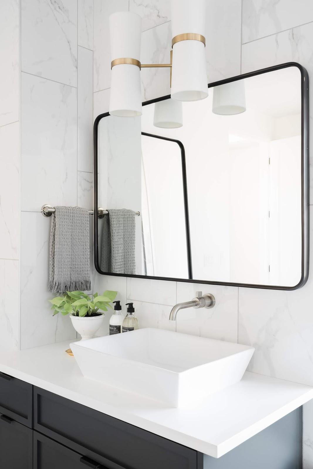 Modern Bathroom Sink, Gold Bathroom accessories