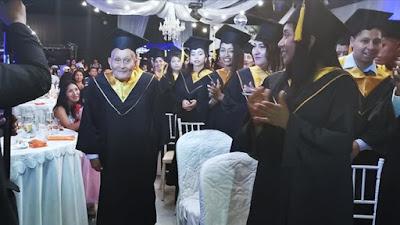 Abuelito de 89 años se graduó como técnico electrónico en IESTP Julio César Tello