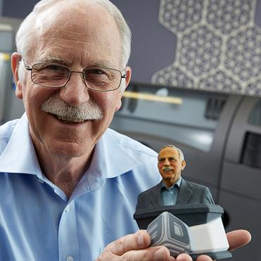 Sejarah dan Perkembangan 3D Printing Dunia dan Indonesia Chuck Hull