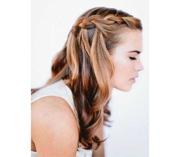 c5962ce9c1 Mając na uwadze tę specyficzną cechę średniej długości włosów