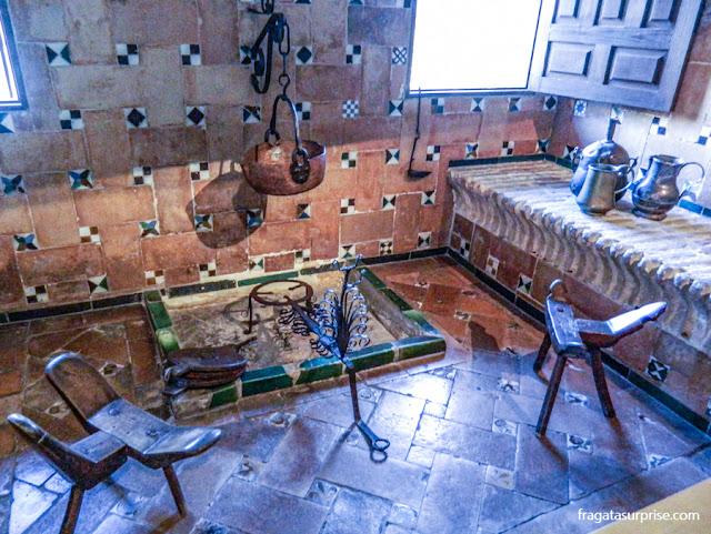Recriação de uma cozinha do Século 16 no Museu Casa de El Greco em Toledo, Espanha