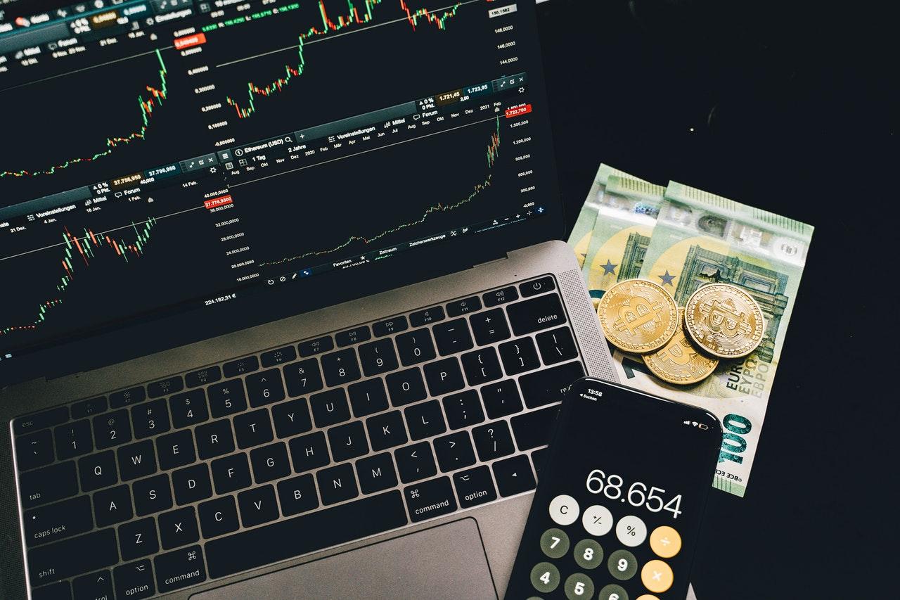 How do beginners buy bitcoins?