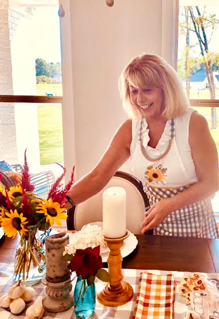 fall-farmhouse-essentials-table-decor-athomewithjemma