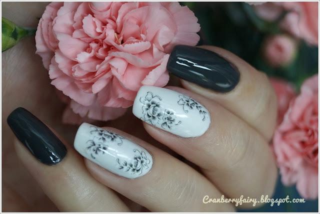 szaro biały manicure