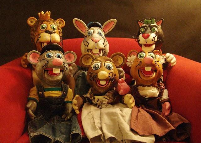 Το Κουκλοθέατρο «ΦιλΦαρί» στο Χωνευτικό Κύμης  με την παράσταση: Ο Μήτρος και ο Τζίμης - τα ποντικάκια του Αισώπου