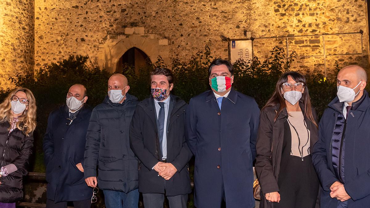Il Castello Ursino illuminato dal Comune di Catania