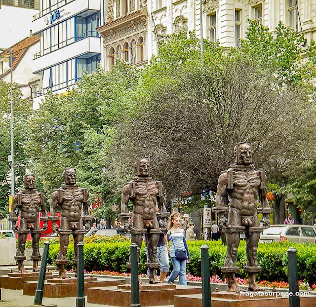 Esculturas na Praça Venceslau, Praga
