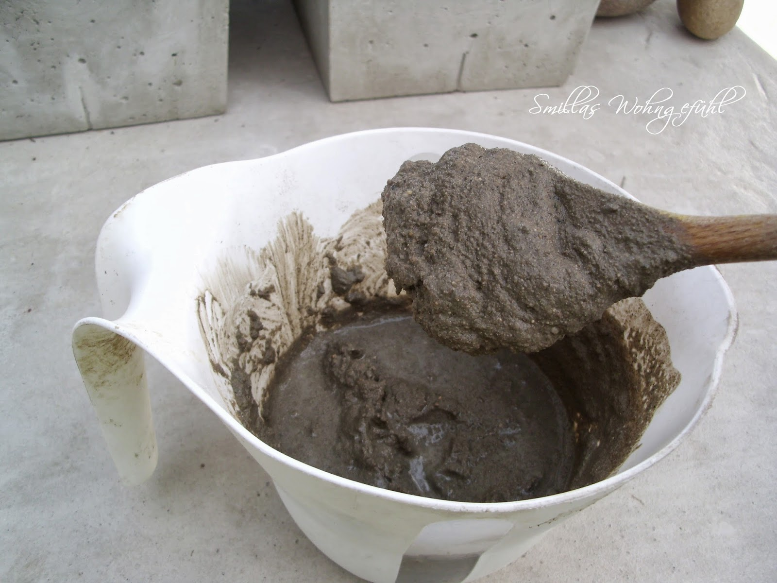 DIY concrete soap dish