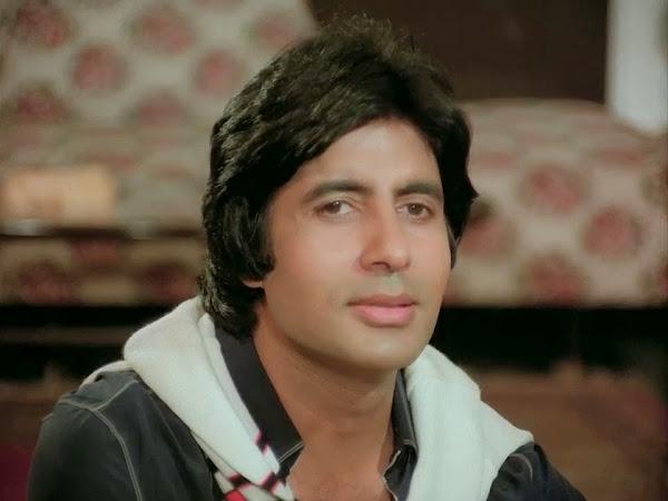 Screen Shot Of Hindi Movie Silsila (1981) Download And Watch Online Free at worldfree4u.com