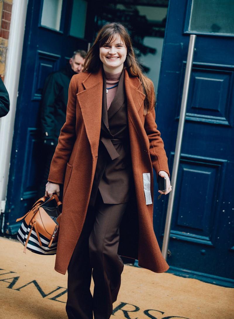 Tons terrosos na moda e estilo de rua da LondonFashion Week 2020