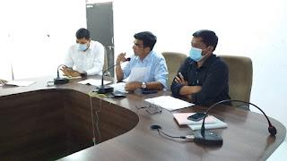 पौधा रोपण अभियान  कलेक्टर श्री शुक्ला ने ली अधिकारियों की बैठक
