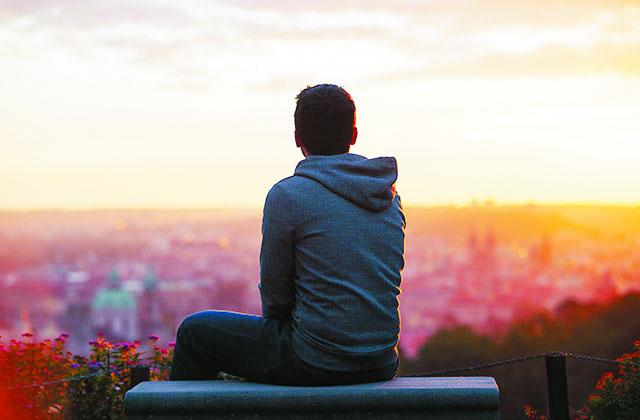 راقب أفكارك لأنها تحدد واقعك وستصبح مصيرك