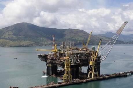 Pré-sal: Petrobras arremata os dois primeiros blocos do megaleilão