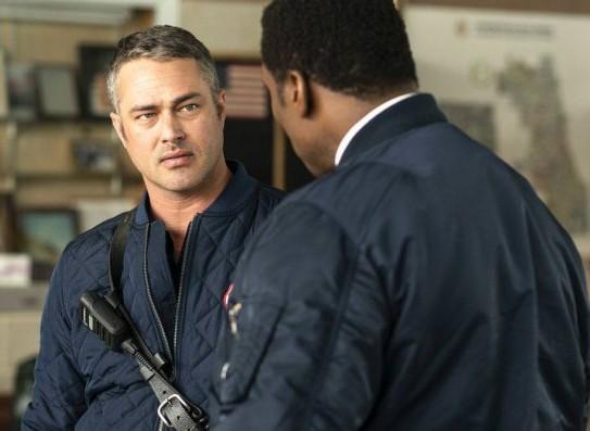 "NUP 186467 0156 595 Spoiler%2BTV%2BTransparent - Chicago Fire (S07E21) ""The White Whale"" Episode Preview"