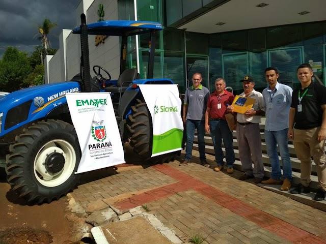 Janiópolis entrega 19° Trator Solidário