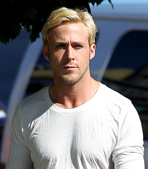 ryan gosling hairstyle men hairstyles men hair styles collection. Black Bedroom Furniture Sets. Home Design Ideas