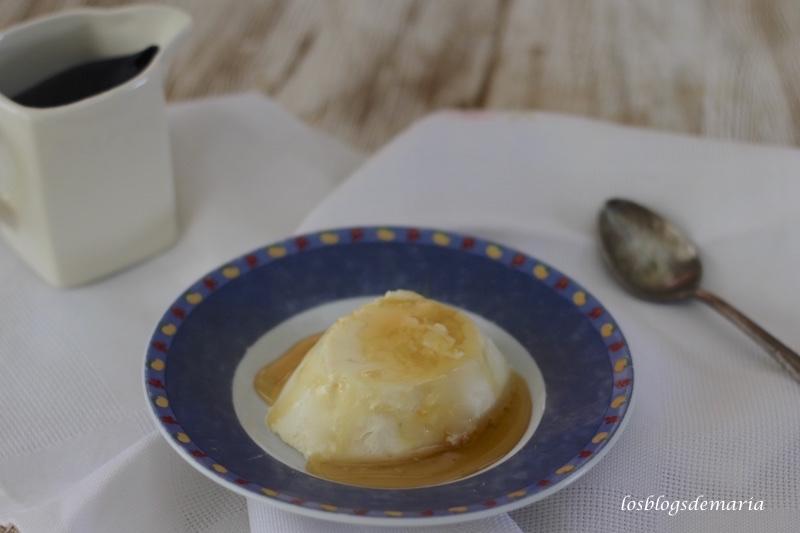 Pastel de mousse de queso mató y miel