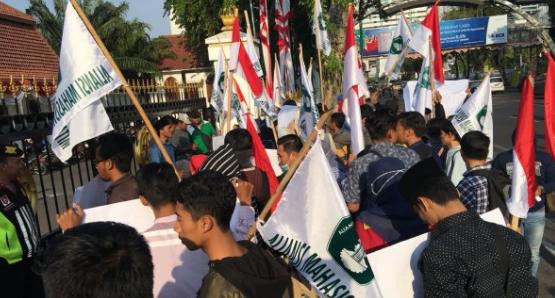 Deklarasi #2019GantiPresiden Ditolak Dimana-mana, Mardani Sebut Negara Kalah Oleh Preman, Ini Kata Kubu Pemerintah