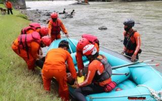TNI-Polri dan Tim Resque Banjarnegara Gelar Latihan Simulasi evakuasi Bencana Banjir