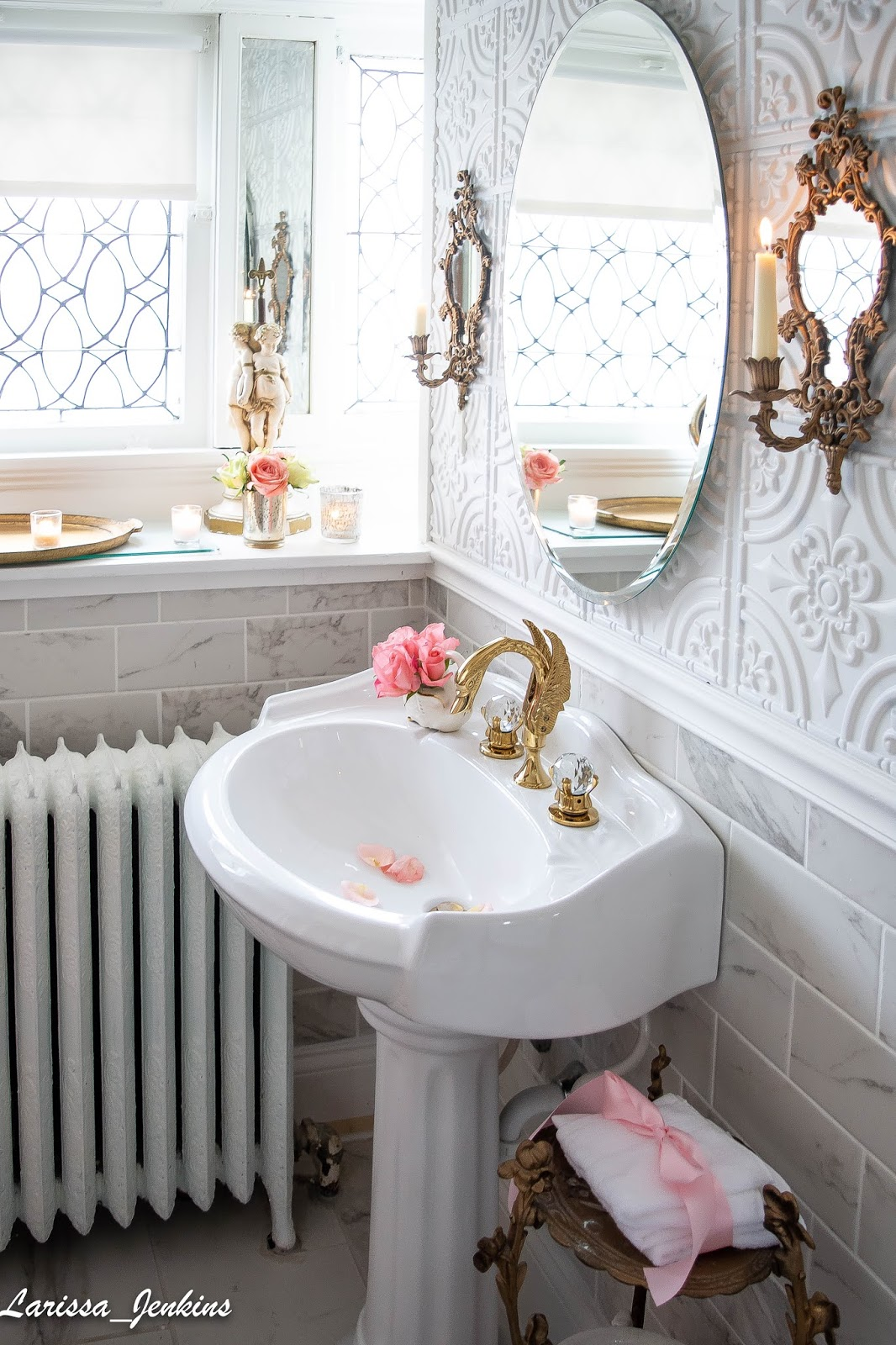 Follow The Yellow Brick Home Beautiful Vintage Bathroom Ideas Using Vintage Repurposed Furniture And Accessories To Create Vintage Bathroom Style