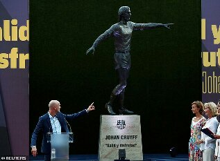 Barcelona Unveil Giant Statue Outside Camp Nou In Honour Of Late Club Legend Johan Cruyff