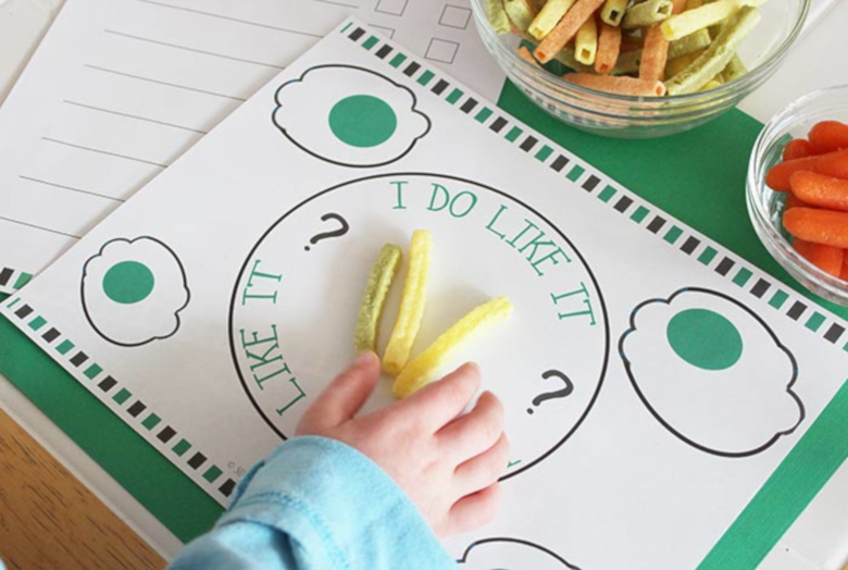 Dr Seuss Activities for Toddlers - Green eggs and ham activity